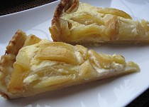 Jablečný smetanový koláč