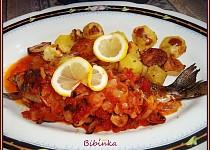 Mořský pstruh-Salmo Trutta s rajčaty