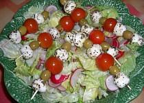 Mozzarella na salátu