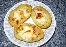 Plněné sýrové brambory