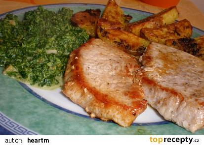Vepřové maso se špenátem a americkými bramborami