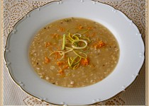 Vločkovo-celerová polévka s kmínem