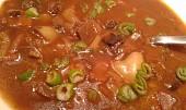 Guláš z loňského sběru lesních hub a z čerstvých  zelených paprik