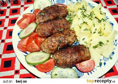Kebaby z mletého masa na grilu