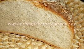 """""""Bajvočko"""" (podmáslový chléb s pizza moukou)"""