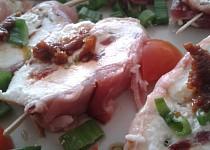Sýrové terčíky se sušenými rajčaty a ostřejším krémem