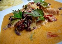 Uzené s celerem a fazolí v hořčicové omáčce