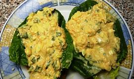 Vaječná pomazánka s římským salátem, mrkví a okurkou