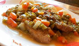 Vepřové plátky na zelenině