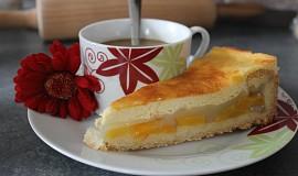 Broskvový nebo meruňkový koláč