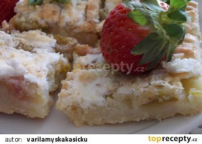 Drobenkový rebarborový koláč se sněhovým závojem