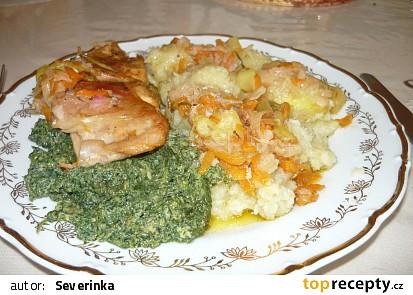 Králík s ředkvičkami a zeleninou