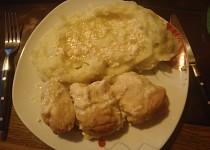 Kuřecí rolky s anglickou slaninou a hořčicí - zapečené se smetanou