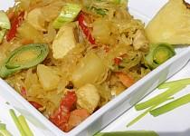 Kuřecí s ananasovým zelím na kari