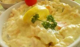 Lehký,  svěží mrkvovo-kedlubnový salátek  se sýrem