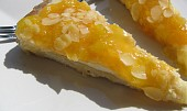 Meruňkový koláč s mandličkama.... nebo naopak? :-)