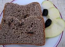 Sladký chlebík bez lepku, mléka a vajec aneb Jak pejsek s kočičkou  pekli dort