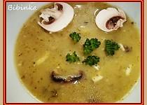 Žampionová polévka s brokolicí, nivou a koprem