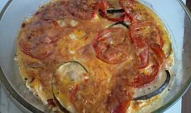 Zapečený lilek se sýrem, rajčaty a provensálským kořením