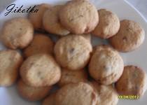 Cookies s kousky čokolády a vlašských ořechů (z reklamy)