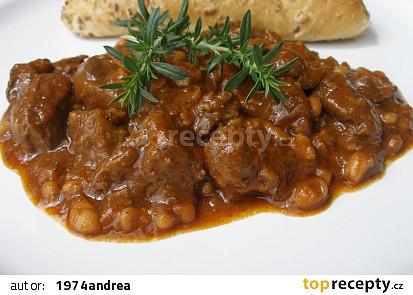 Divoký paprikový guláš s fazolemi