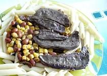 Jehněčí játra na kukuřici a fazolích
