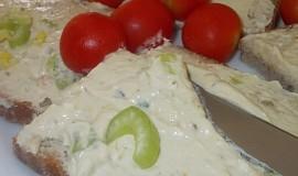 Jemná pomazánka z filetů ve vaječno-hořčicovém krému