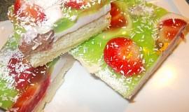 Jogurtový  moučník  s ovocem