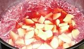 Kedlubnová polévka s červenou řepou