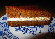 Mrkvový dort s krémem z mascarpone