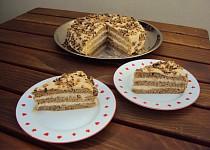 Oříškový dort s karamelovou šlehačkou