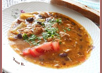 Pikantní fazolový guláš s masem