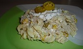 Těstovinový salát s kuřecím masem, tuňákem a kukuřicí