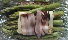 Zelený chřest s anglickou slaninou