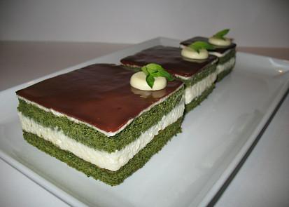 Piškot ze zeleného čaje Matcha s kokosovým krémem
