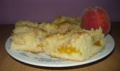 Svěží broskvový koláč