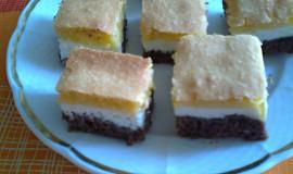 Tříbarevný koláč z dvojího těsta