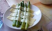 Zelený chřest na másle