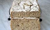 Bezlepkový chléb s maniokovou moukou a lněným semínkem