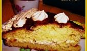 Dortové zákusky z cuketového hrnkového těsta s karamelovým krémem a čokoládou