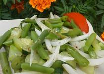 Fazolkový salát s cuketou