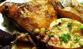 Kuřecí stehna s bramborami