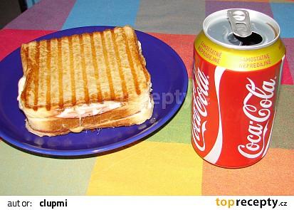 Panini s anglickou slaninou, šunkou a sýrem
