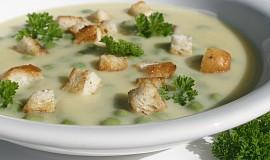 Polévka z cukety, sýru a hrášku