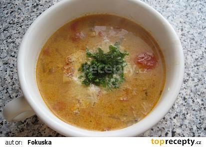 Rajčátková polévka se smetanou