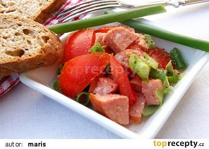 Rajčatový salát se salámem :-)