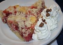 Rebarborovo-jahodový koláč s drobenkou