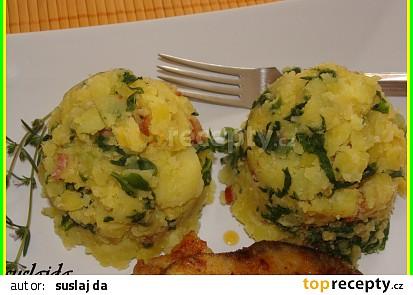 Šťouchané brambory s mangoldem a slaninou