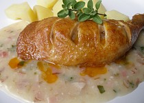 Uzené kuře s omáčkou z čerstvé majoránky