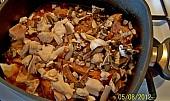 Vepřová žebírka s houbami